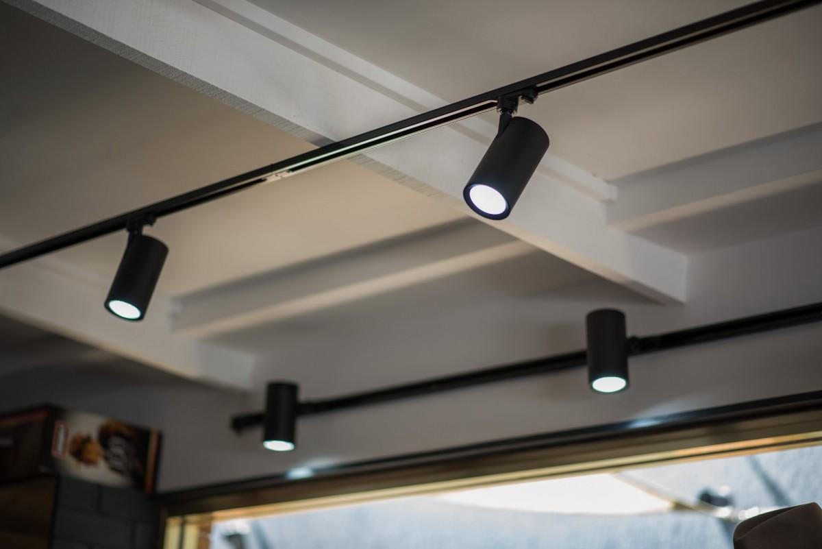 Tiêu chí chọn đèn LED thanh ray phù hợp